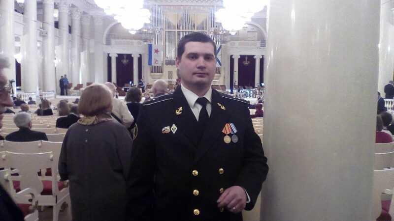 Это я Петр Иванов в форме на день моряка-подводника