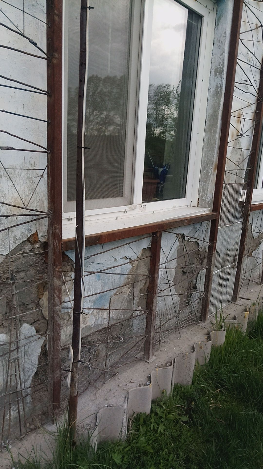 Стена дома