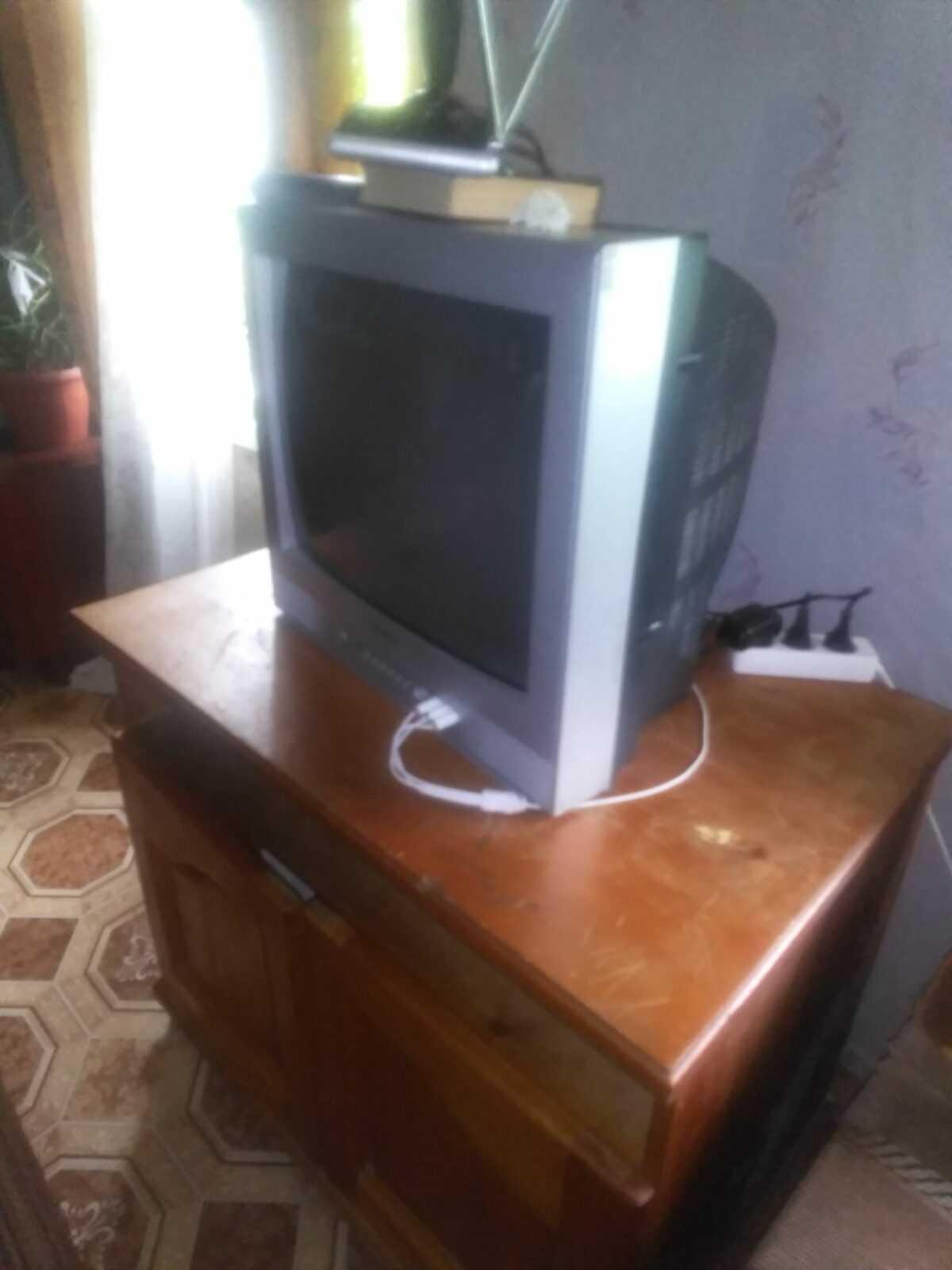 Наш старый телевизор на новый нет денег