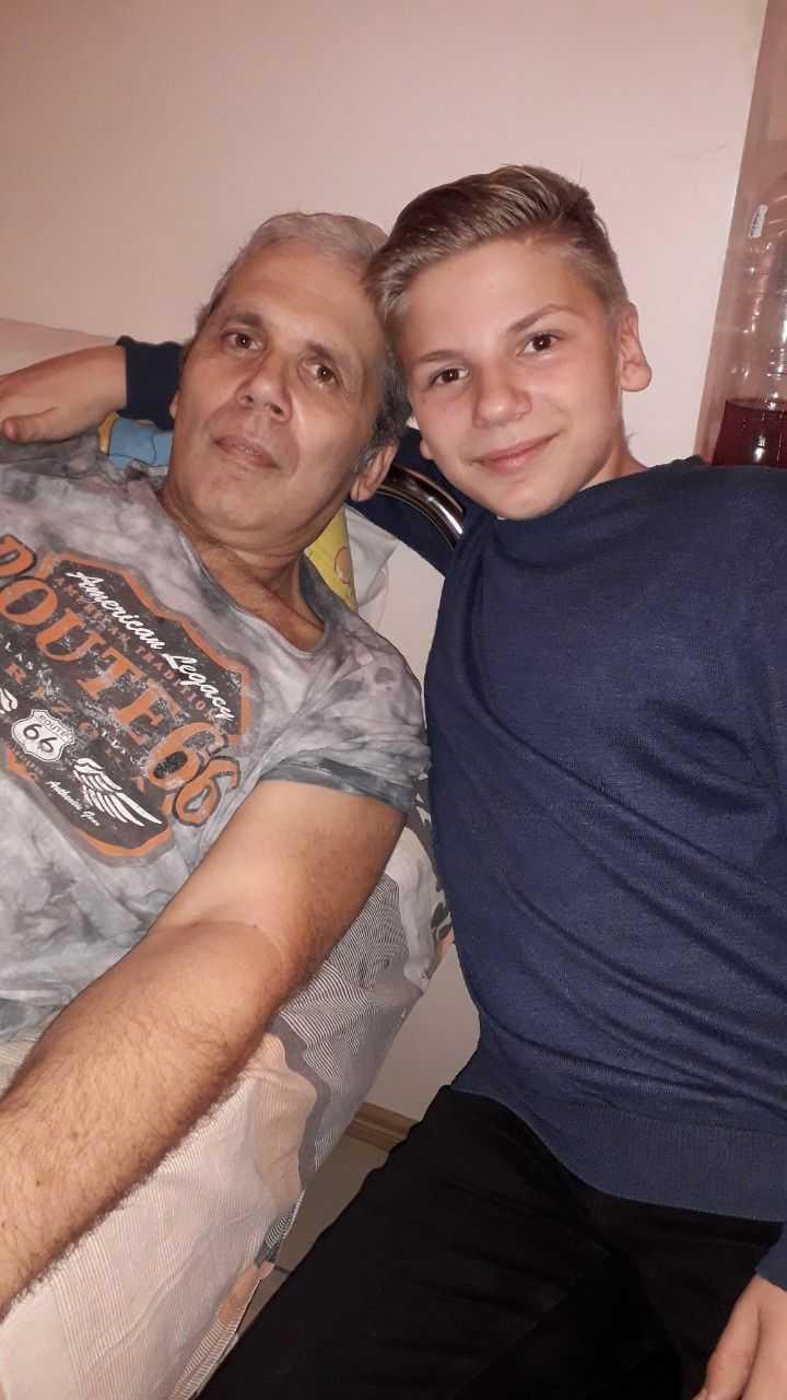 Это муж с сыном