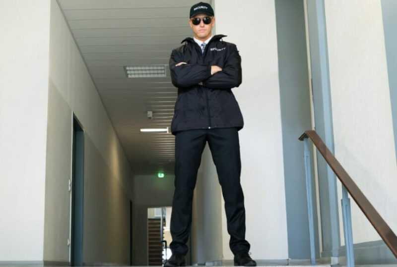 студент на работе охранником